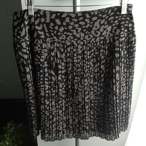 LOFT~Accordian Pleat Skirt